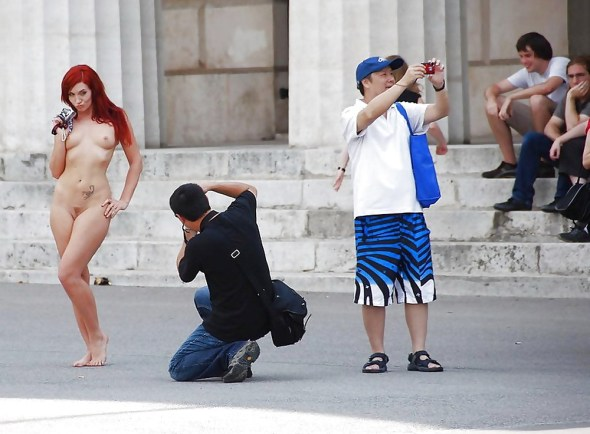 Behind You! Naked Tourist Camera